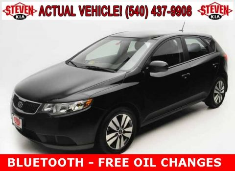Pre-Owned 2013 Kia Forte EX FWD 4D Hatchback